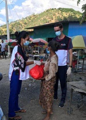 Doações levam alívio às pessoas
