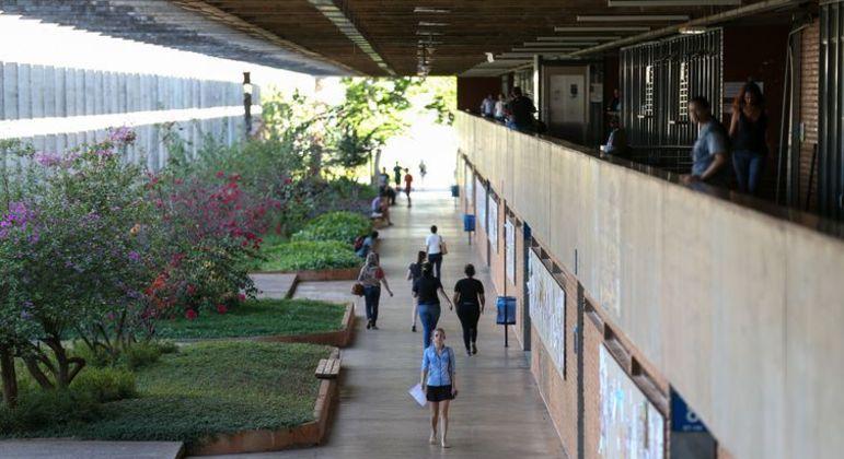 Universidades federais correm o risco de paralisarem as atividades no próximo semestre