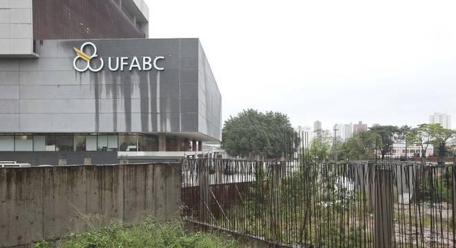 Universidades Federais planejam retomada de aulas online após 4 meses