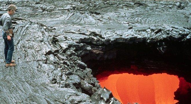 Tudo indica que o túnel de lava em que o homem caiu estava escondido — diferentemente desta foto