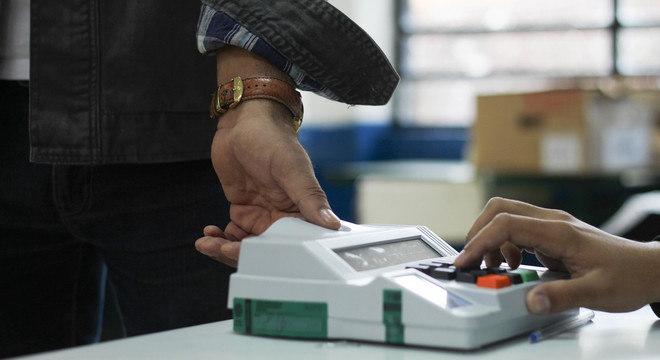 Candidatos puxadores de voto acabam por eleger pessoas de outros partidos