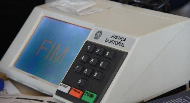 Voto impresso dificilmente traria mais segurança ao processo, diz especialista