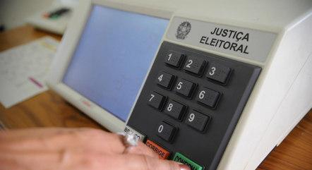 Proposta quer abolir urna eletrônica