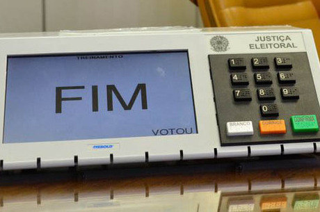 Justiça Eleitoral confirmou 27.213 candidaturas