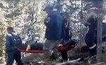 SegundoIgor Gryazin, diretor do parque, a neve excessiva este ano deixou muitos ursos famintos, o que pode ter contribuído para o ataque, considerado incomum. Além disso, o guia adolescente pegou um atalho considerado perigoso justamente pela presença de ursosNÃO VÁ EMBORA:Recepcionista de bilhar é atingida por bola branca no meio da testa