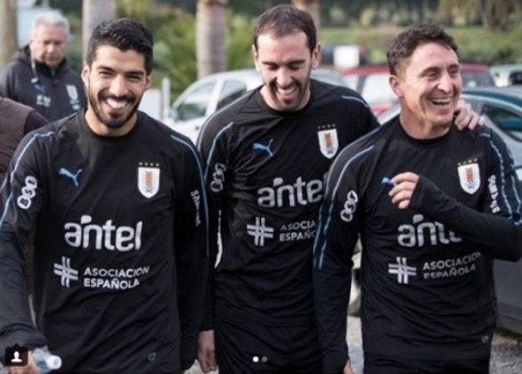 Os líderes uruguaios em momento feliz (Suárez, Godín e Rodríguez)