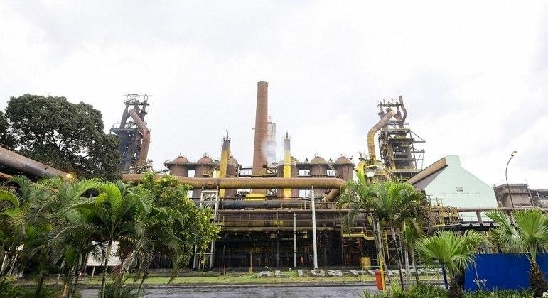Usiminas expôs trabalhadores ao contato com amianto, diz Justiça
