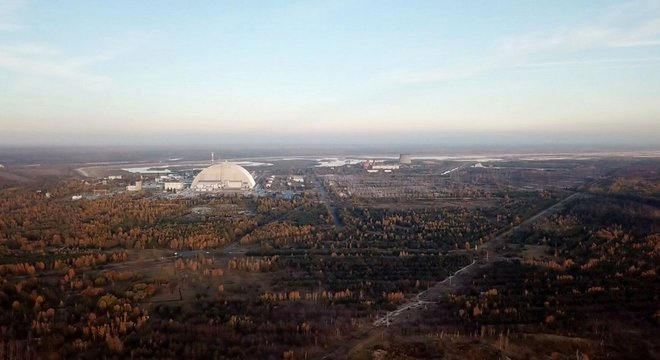 A terra ao redor da usina nuclear foi abandonada desde o acidente de 1986 A bebida é radioativa?