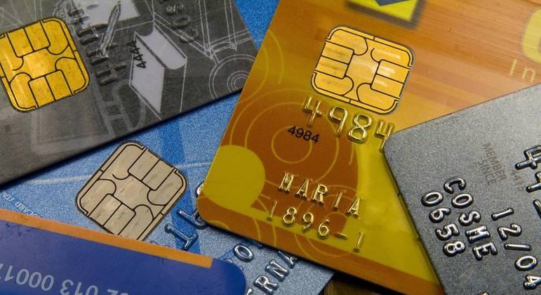 Cartões de crédito.  USP Imagens