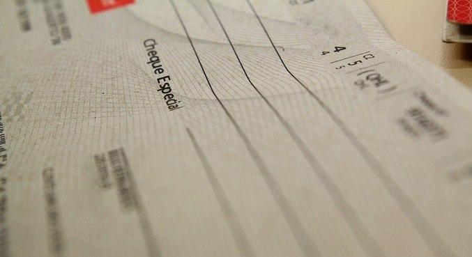 Limitação dos juros do cheque especial, em 8% ao ano, desde 2020
