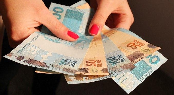 Poupança captou R$ 810,1 bi no varejo tradicional e R$ 142,4 bi no de alta renda
