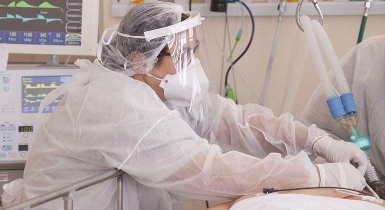 Fiocruz diz que ainda é cedo para determinar se há mudança no perfil da pandemia no Brasil