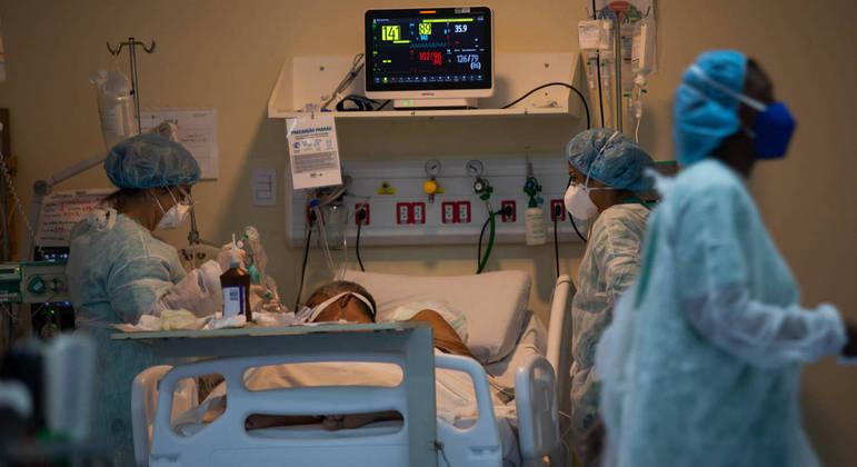 Grau de dano no pulmão define se pessoa precisará ser intubada