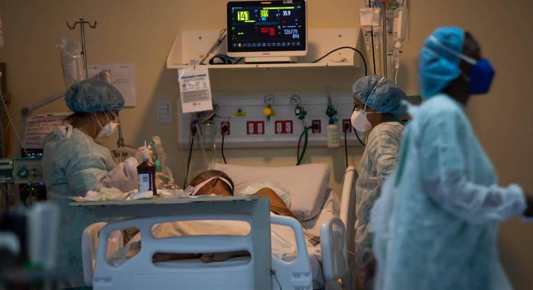 Médicos alertam para momento mais grave da pandemia e pedem medidas concretas