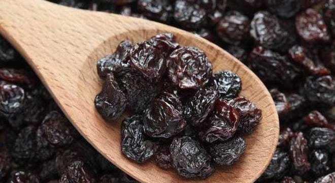 Uva-passa: conheça os benefícios da fruta nas receitas de Natal