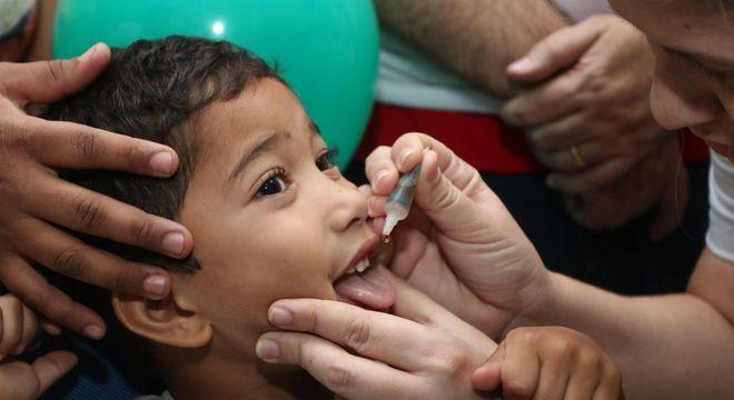 No último dia da campanha, Ministério pretende vacinar 118 mil crianças