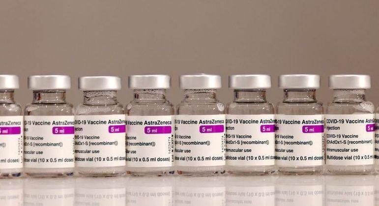De acordo com reportagem da Folha, 1.532 municípios aplicaram as doses vencidas da AstraZeneca