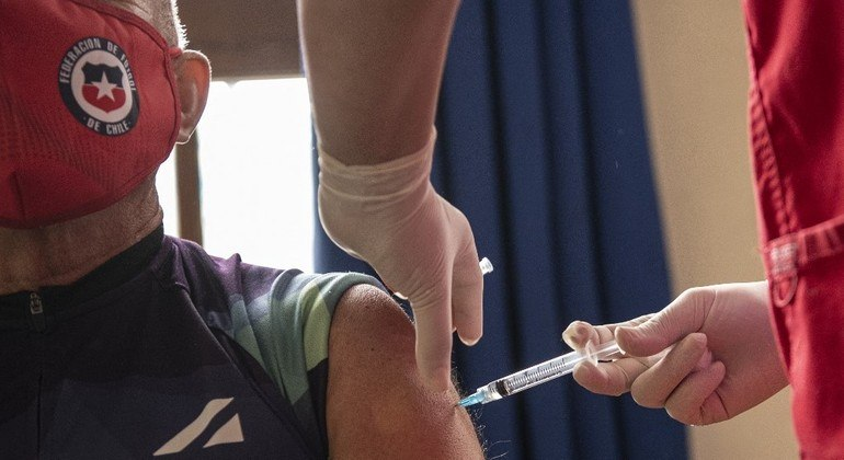 Chile imunizou mais de 2 milhões de pessoas em duas semanas de campanha