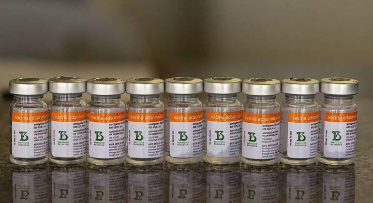 Estoques da CoronaVac ainda não foram repostos para aplicação da segunda dose