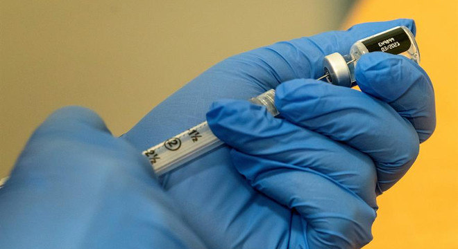 Primeiras aplicações da vacina contra covid-19 nos EUA ocorrem nesta semana