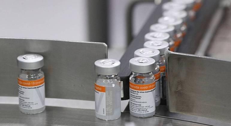 Combate à desinformação é um dos principais desafios da campanha de vacinação contra covid-19