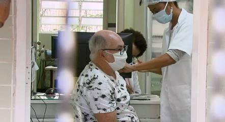 Idosos de 64 anos recebem 2º dose na quinta (20)