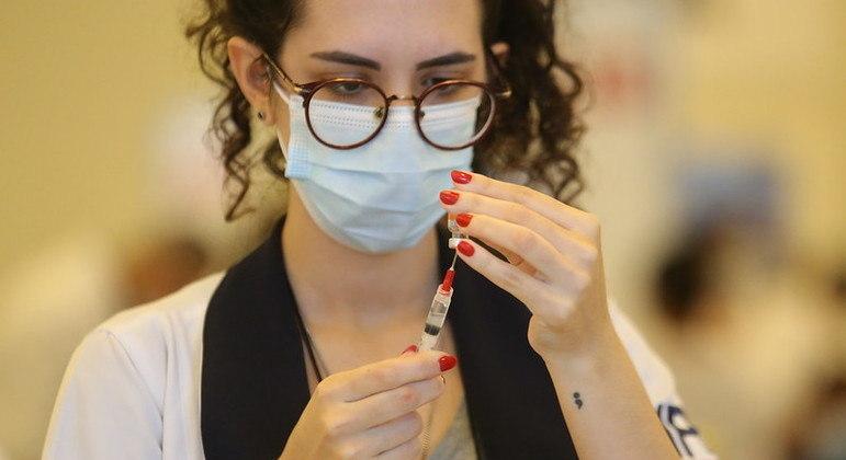 Cidade de SP vacinará maiores de 18 anos na xepa da vacina
