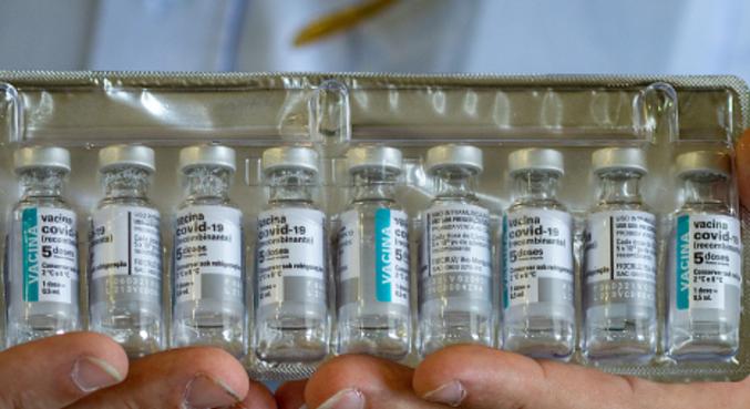 Vacina produzida pela Fiocruz, em parceria com a AstraZeneca/Oxford