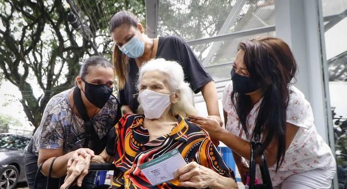 Grupo de idosos a partir dos 80 anos devem ser vacinados no dia 1° de março