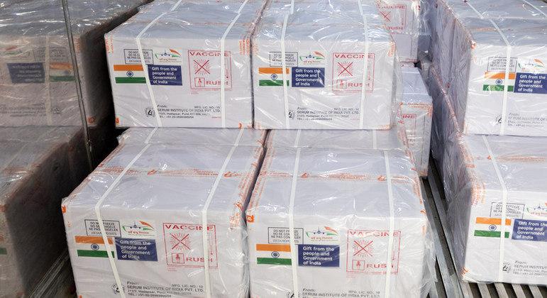 Soldados da paz, da ONU, receberam 200 mil vacinas para serem imunizados contra a covid-19