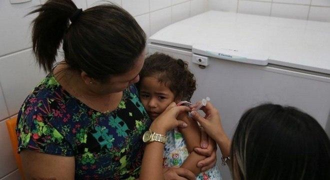 Crianças de 1 a 6 anos poderão ser vacinadas em todo o país a partir de 10 de abril