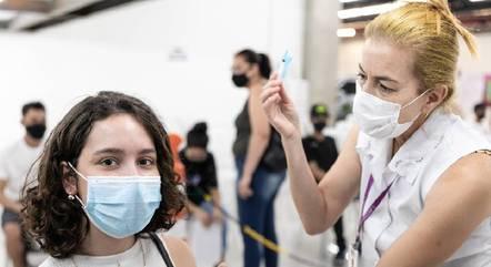 Mais de 36% estão totalmente imunizados