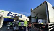 Avião com 477 mil doses de vacinas contra a covid desembarca em BH