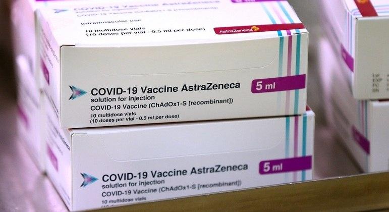 Governo depende de importações de vacinas da AstraZeneca vindas da Índia