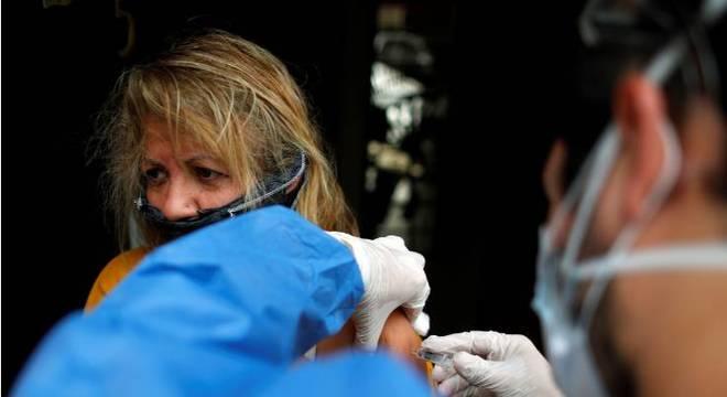 Campanha nacional de vacinação contra a gripe deste ano teve baixa adesão