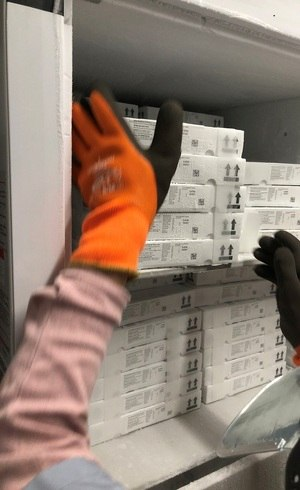EUA já iniciaram vacinação com produto da Pfizer/BioNTech