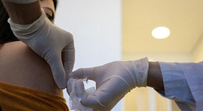 Vacina Coronavac é testada em São Paulo