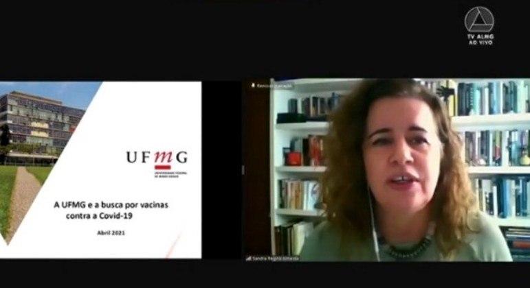 Reitora da UFMG falou sobre desenvolvimento de vacinas contra a covid na universidade
