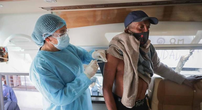 País teve recorde de casos da doença na última quinta-feira (20)