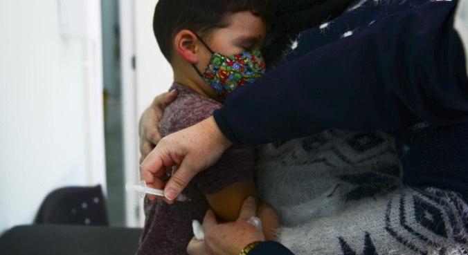 Baixa procura por setor público levou clínicas particulares terem falta de vacinas
