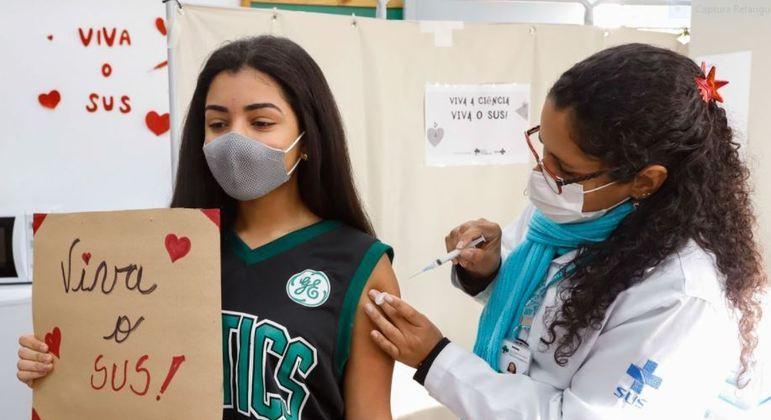 Quase 250 mil pessoas foram vacinadas em um só dia na cidade de São Paulo