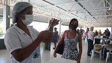 Brasil alcança metade da população vacinada com primeira dose