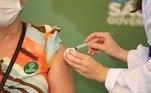 Vacinação de profissionais de saúde em SP