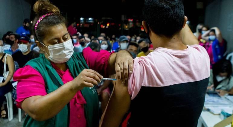 Brasil tem mantido patamar de mais de 1 milhão de doses aplicadas por dia