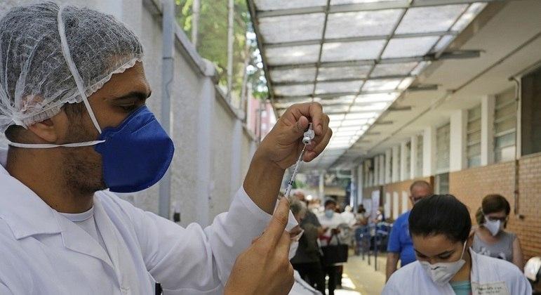 Mais de 500 locais vão estar abertos para campanha de imunização contra covid-19