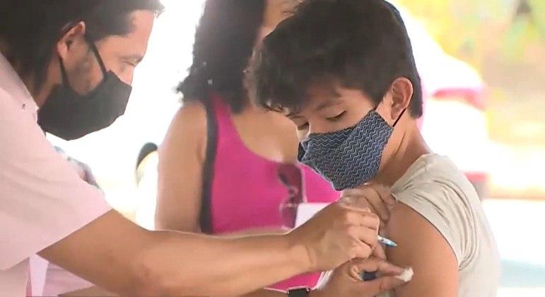 Vacinação de adolescentes no DF continua nesta quarta-feira (13)