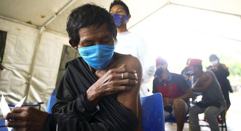 Balanço do Ministério da Saúde revela que a segunda dose do imunizante contra a covid foi aplicada em 71% dos indígenas