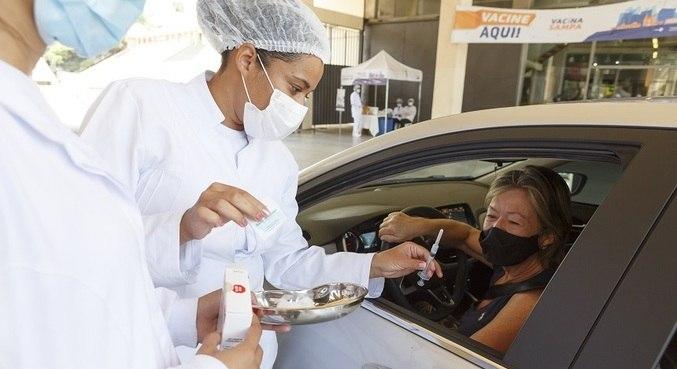 Brasil não conseguiu vacinar nem metade de seus idosos acima de 90 anos