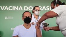 Governador João Doria recebe 2ª dose da vacina contra covid-19