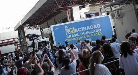 Carregamento de vacinas saíram do Rio de Janeiro